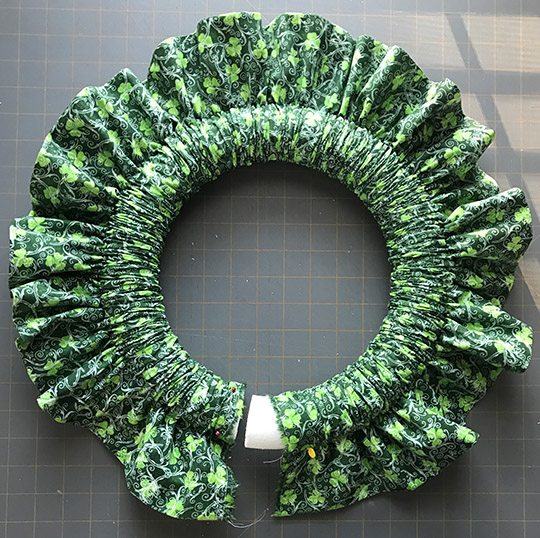 St. Patrick's Day Holiday Fabric Wreath Tutorial