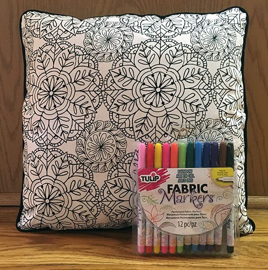Coloring page pillow cover tutorial - feature