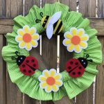 Introducing the Ladybugs & Bumblebees Ruffled Wreath Pattern